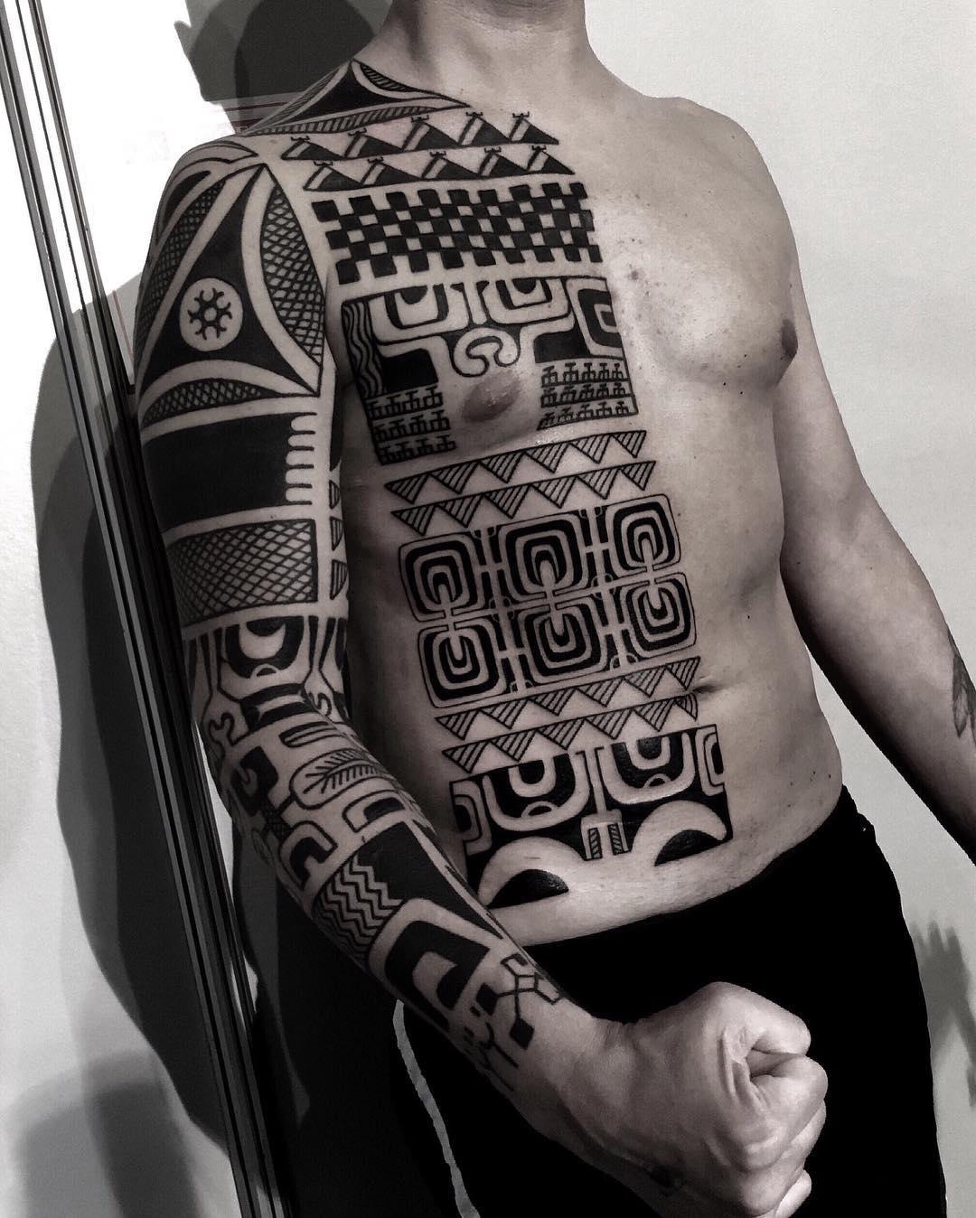 Tatuaż Tribal 35 Niesamowitych Wzorów Etatuatorpl