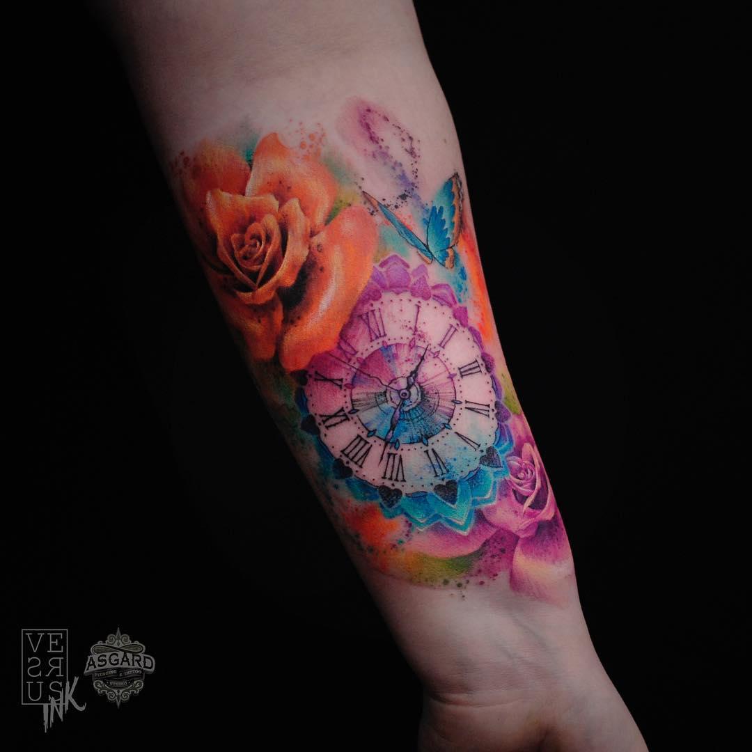 damskie tatuaże