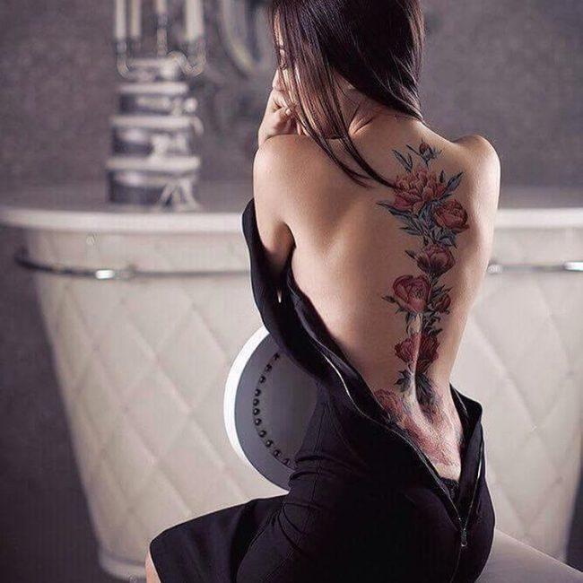 Tatuaże japońskie przedstawiające piwonię
