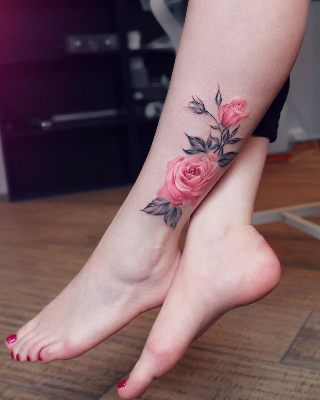 Tatuaż Róża 35 Inspirujących Wzorów Na Modny Motyw Etatuatorpl