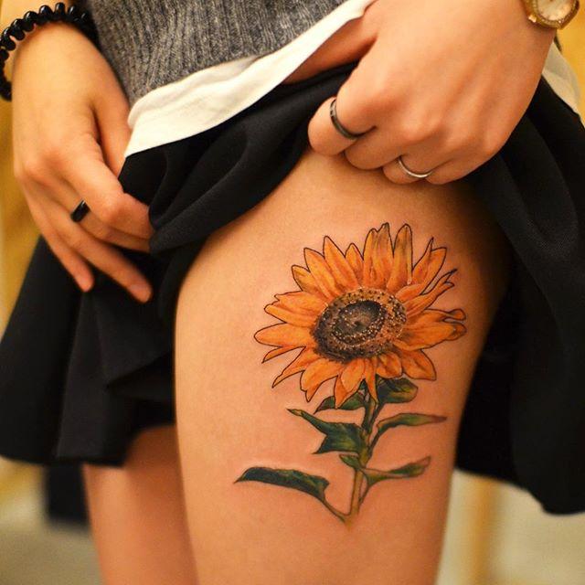 tatuaż słonecznik
