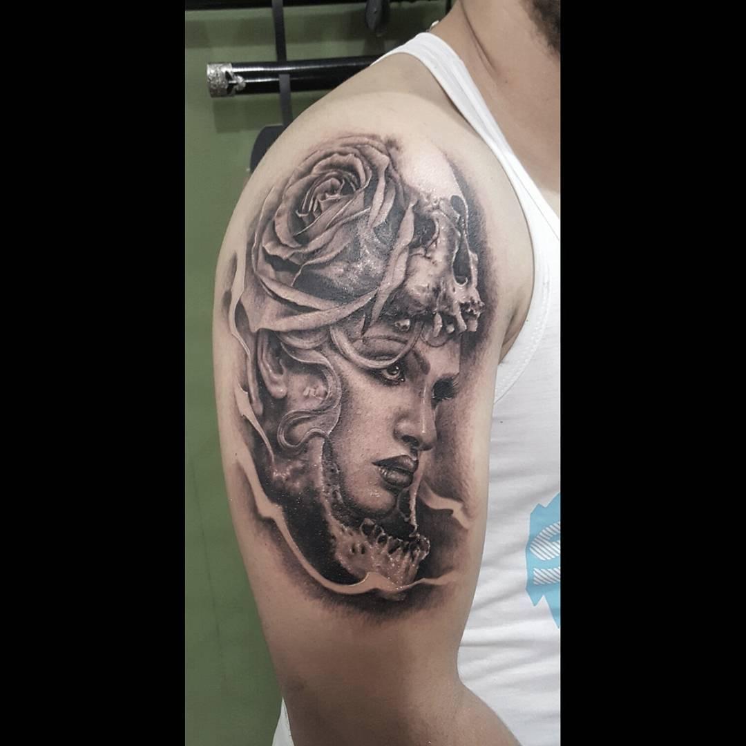 Tatuaże Czaszki 27 Mrocznych Wzorów Etatuatorpl