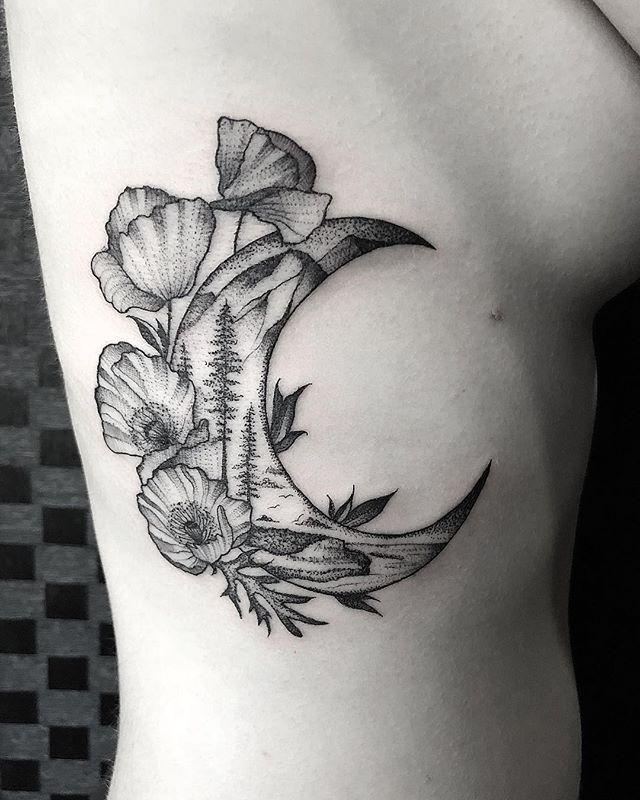 tatuaż księżyc