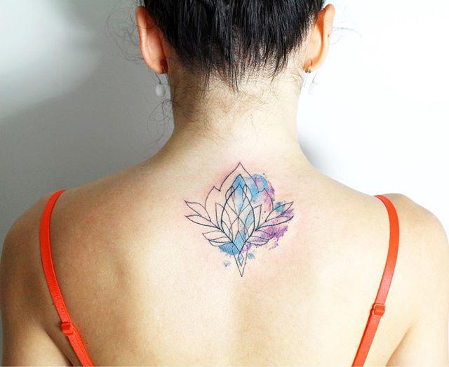Tatuaż Kwiat Lotosu Galeria 34 Pomysłów Na Piękny Wzór Etatuatorpl