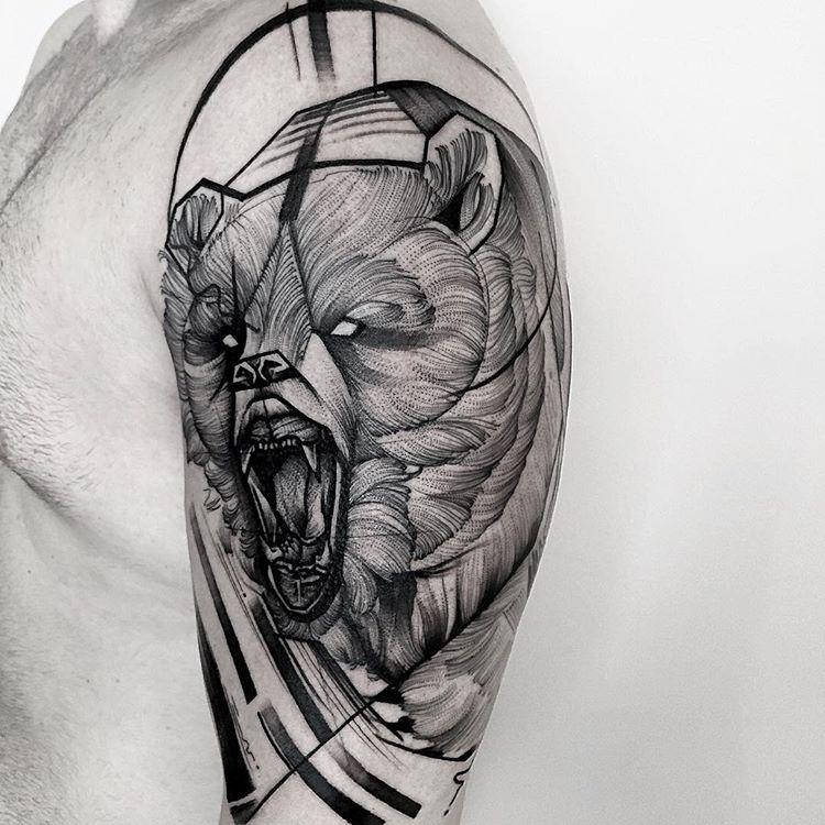 tatuaż niedźwiedź