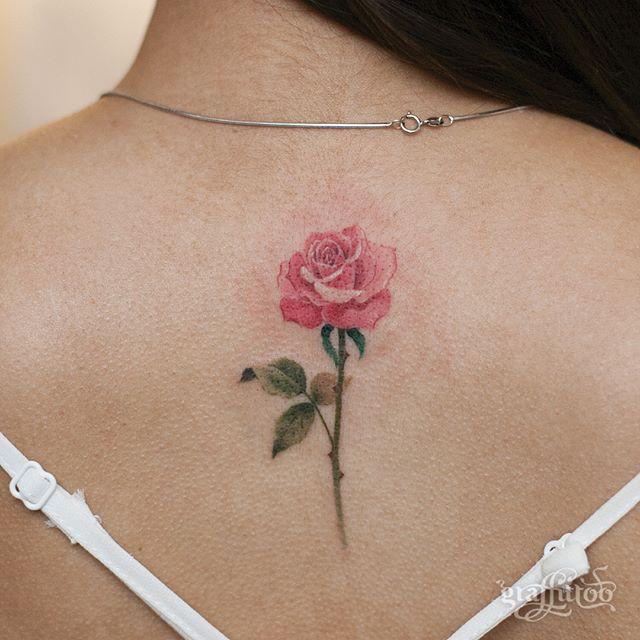 tatuaże kwiaty