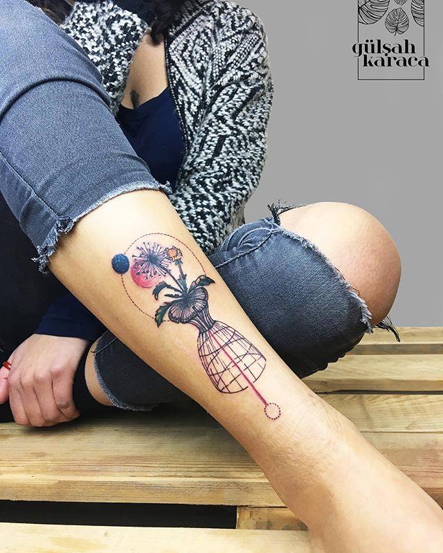 Tatuaże Na Nodze Galeria 34 Ciekawych Wzorów Etatuatorpl