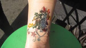 Tatuaż tymczasowy wykonany technologią airbrush