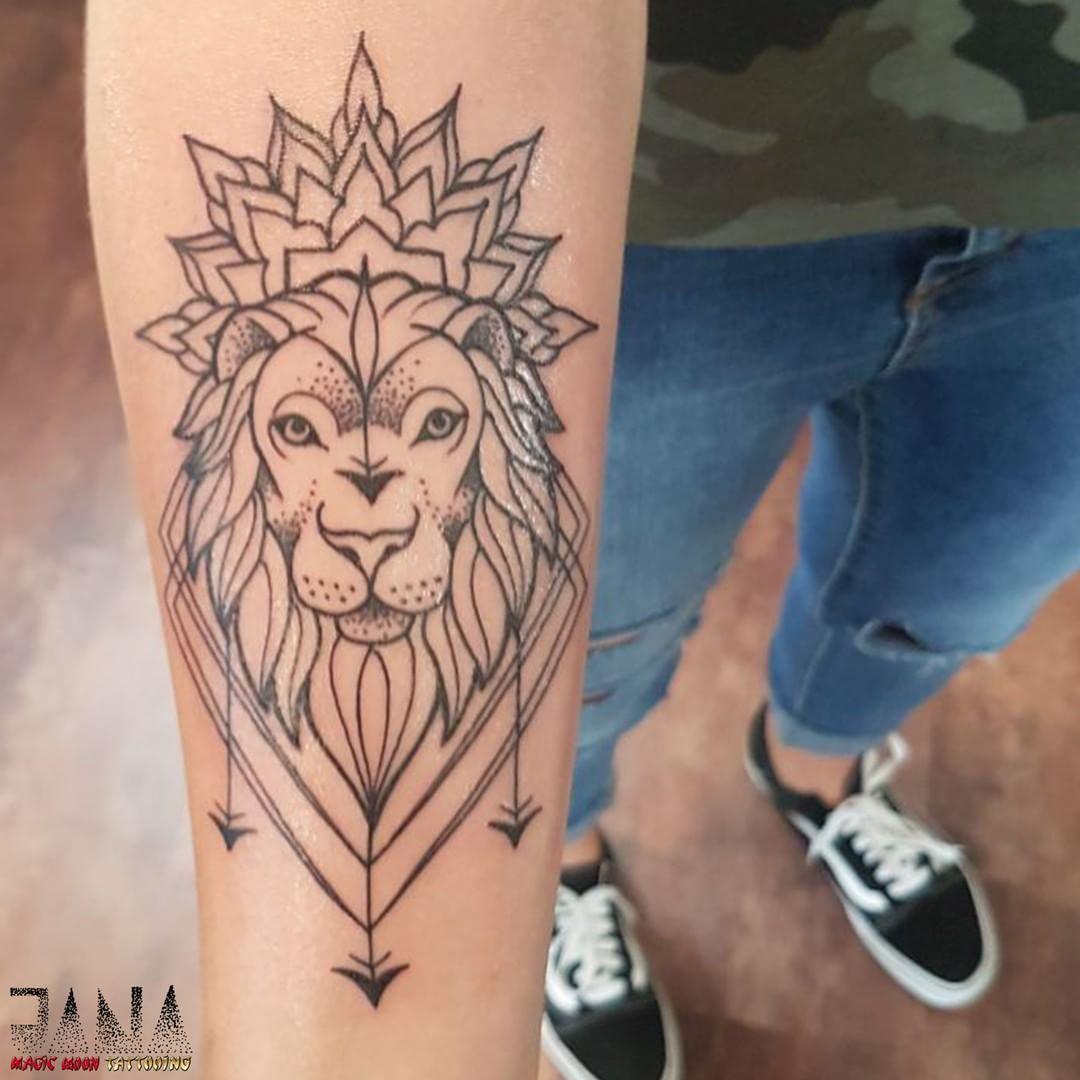 Symbol Siły W Sztuce Tatuażu Etatuatorpl